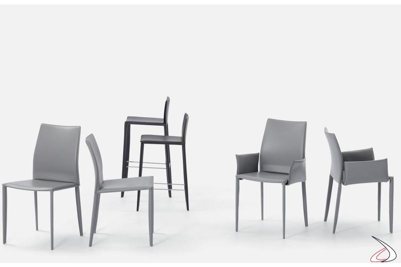 Sedie e sgabelli con struttura in acciaio rivestita in cuoio modello Linda