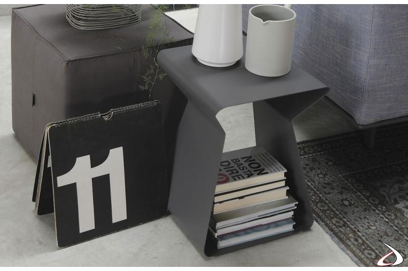 Tavolino design in acciaio a forma di clessidra