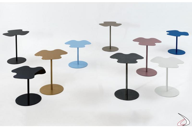 Tavolini sagomati da salotto in acciaio colorato