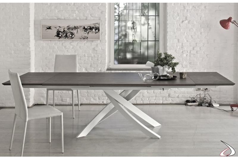 Tavolo moderno allungabile in legno da soggiorno