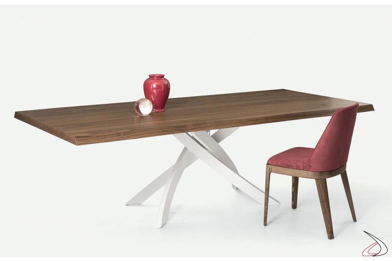 Tavolo fisso in legno con basamento bianco
