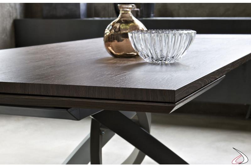 Tavolo moderno allungabile con allunga sottopiano