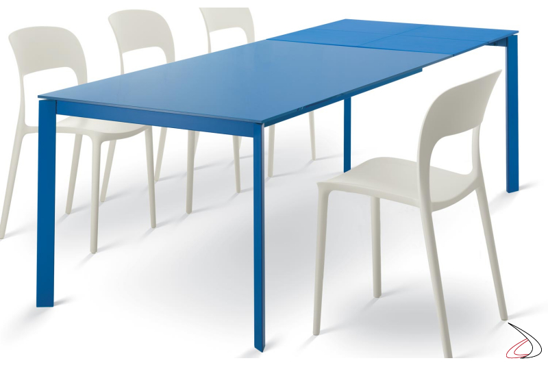 Modern extendable table with color glass