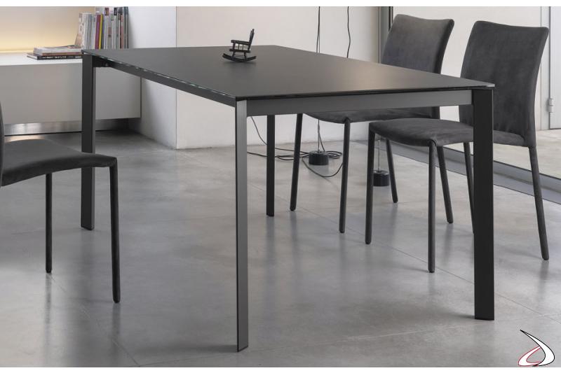 Tavolo design da soggiorno con piano in superceramica