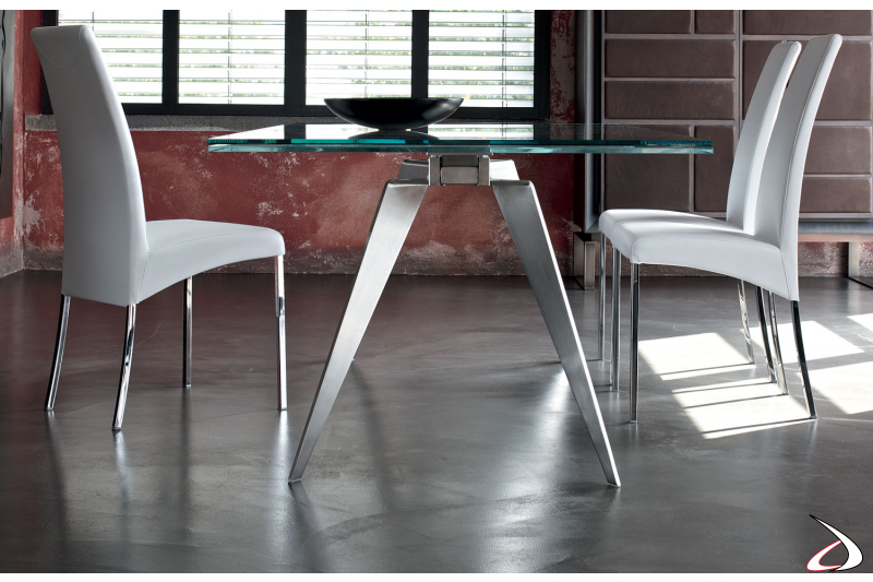 Design table with steel legs