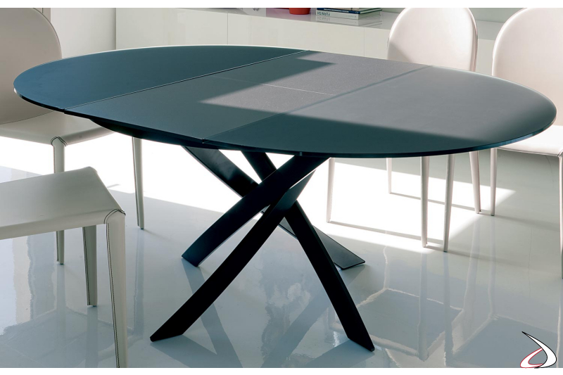 Extendable table with wooden top