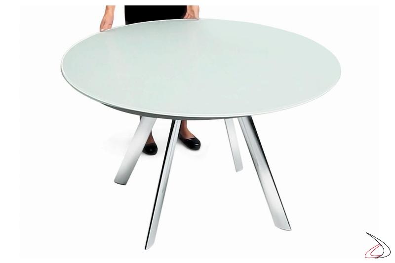 Tavolo design rotondo in vetro con basamento a 4 gambe