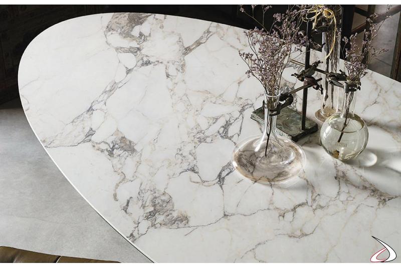 Tavolo di design ellittico in marmo da soggiorno