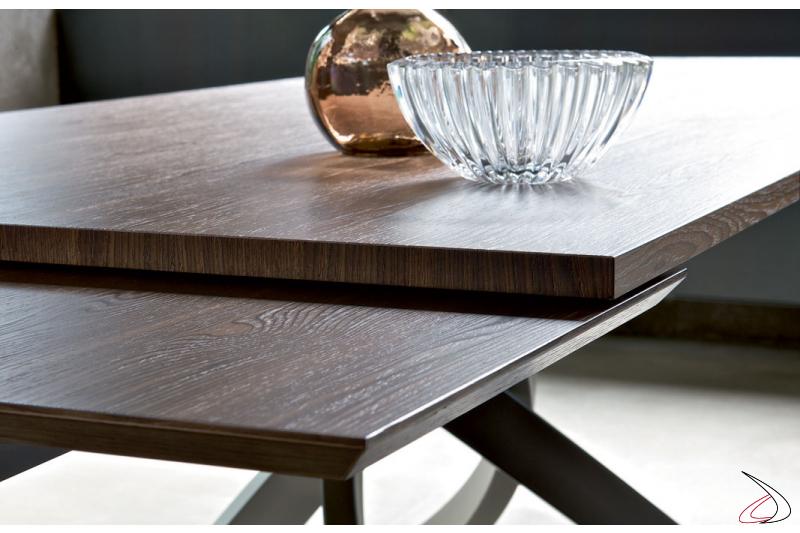 Tavolo design allungabile con allunga in legno