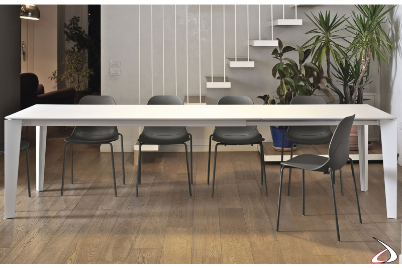 Tavolo design allungabile bianco da soggiorno
