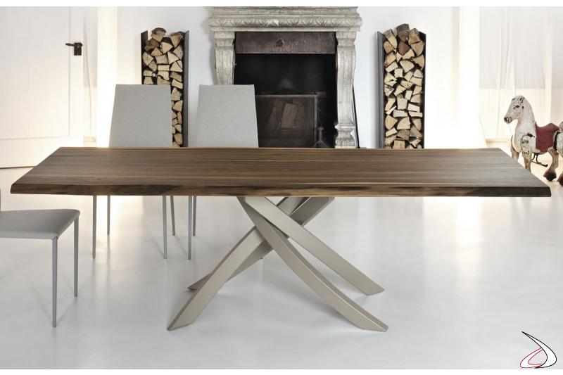 Tavolo di design da soggiorno con piano in massello