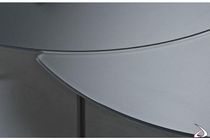 Tavolo design allungabile con piano in cristallo antigraffio