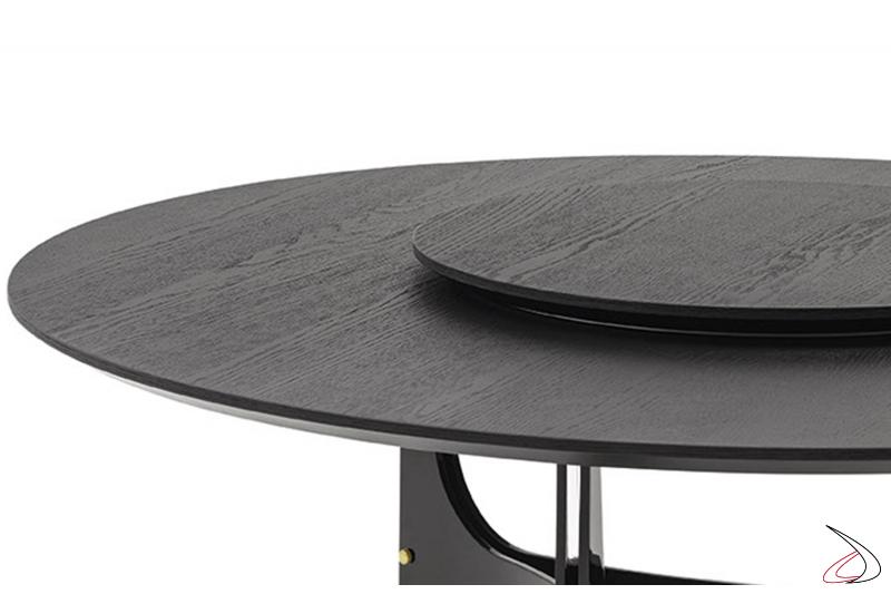 Tavolo rotondo di design con vassoio girevole centrale