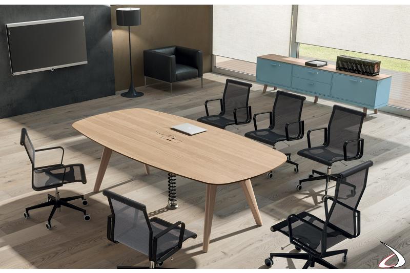Tavolo meeting da ufficio di design in legno impiallacciato con passacavi