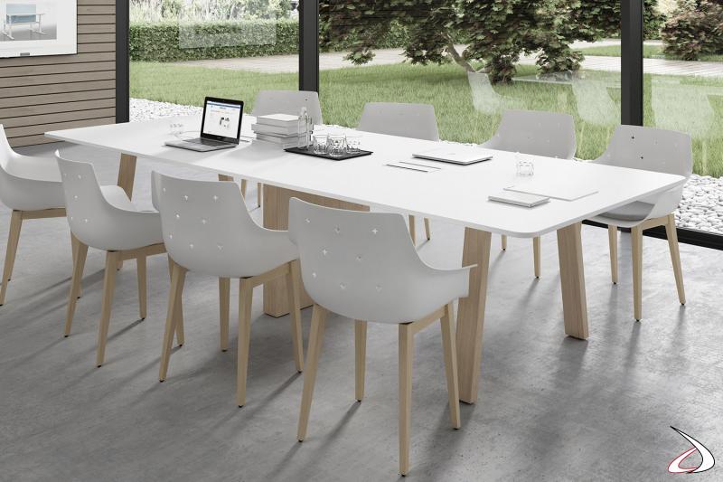 Tavolo moderno meeting da ufficio con piano bianco e gambe a cavalletto