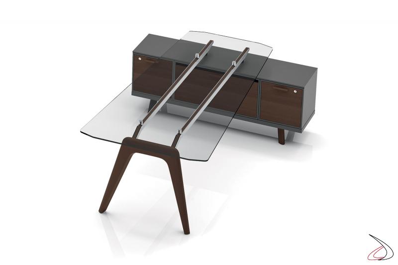 Tavolo meeting di design in vetro trasparente con mobile di servizio con ante a ribalta con serratura