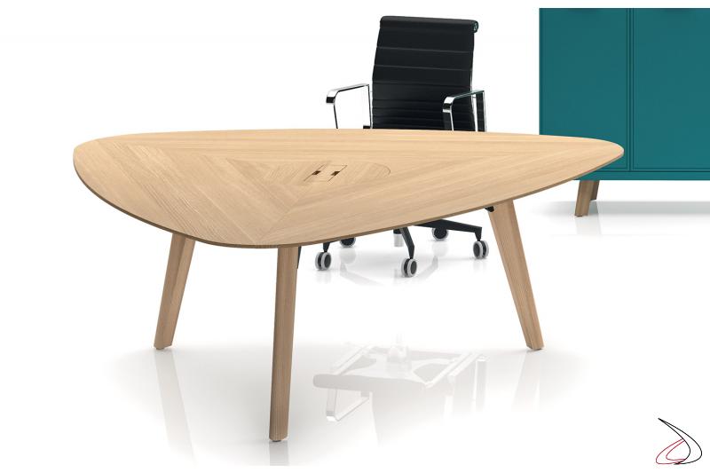 Tavolo triangolare riunioni moderno in legno rovere naturale da ufficio