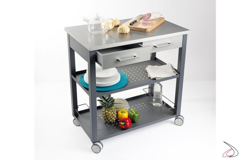 Carrello Chef interamente in metallo e alluminio completo di due cassetti e portabottiglie.