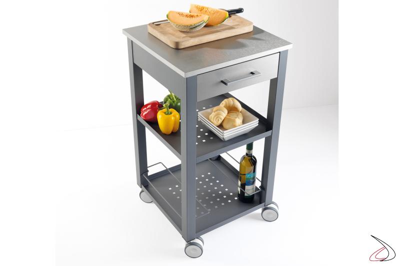 Carrello multiuso Chef, ideale per una cucina attrezzata con struttura in acciaio