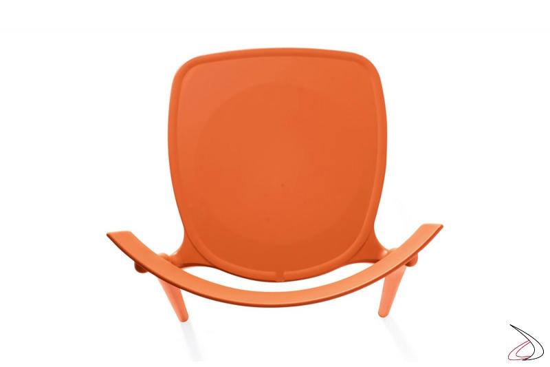 Sedia arancione moderna colorata impilabile da giardino in polipropilene