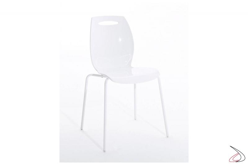 Sedia di design bianca impilabile da soggiorno con gambe in acciaio