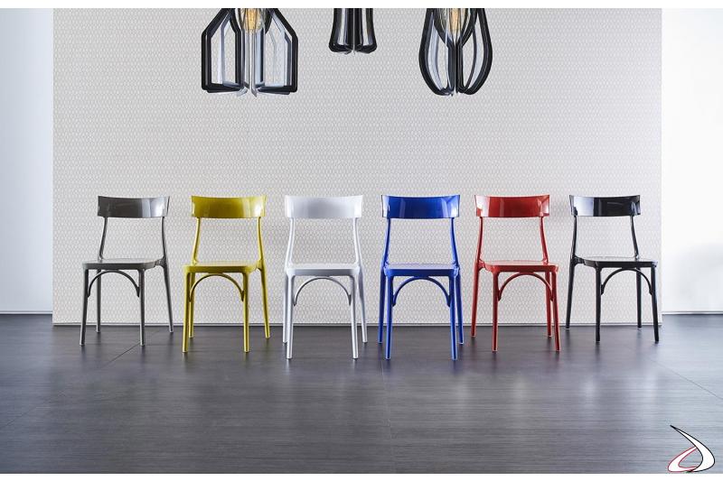 Sedie colorate in polipropilene coprente da esterno impilabili moderne