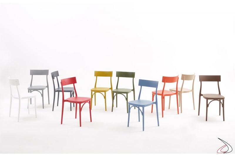 Sedie moderne da bar o da giardino colorate impilabili in polipropilene