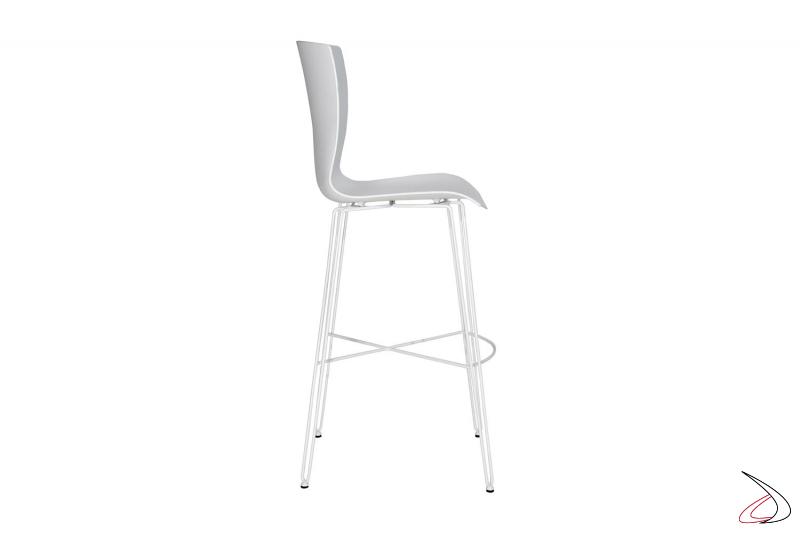 Sgabello da cucina alto con gambe in acciaio bianco e seduta in polipropilene