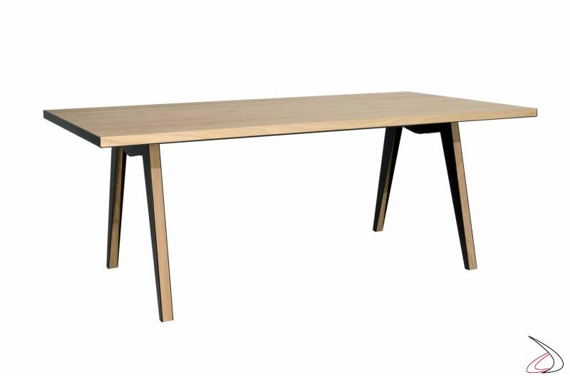 Tavolo soggiorno fisso in legno nodato e struttura in lamiera d'acciaio