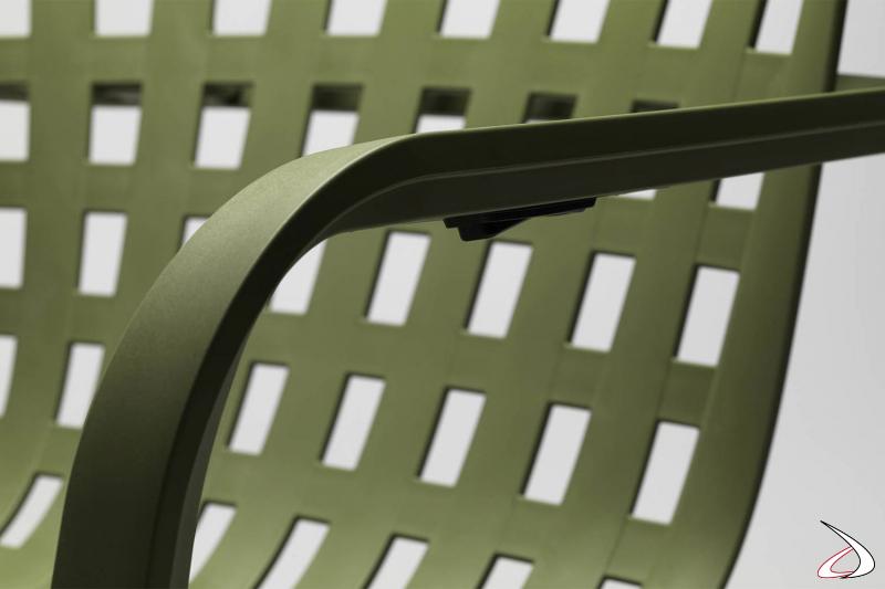 Poltrona reclinabile. Polipropilene fiberglass trattato anti-UV e colorato in  finitura opaca