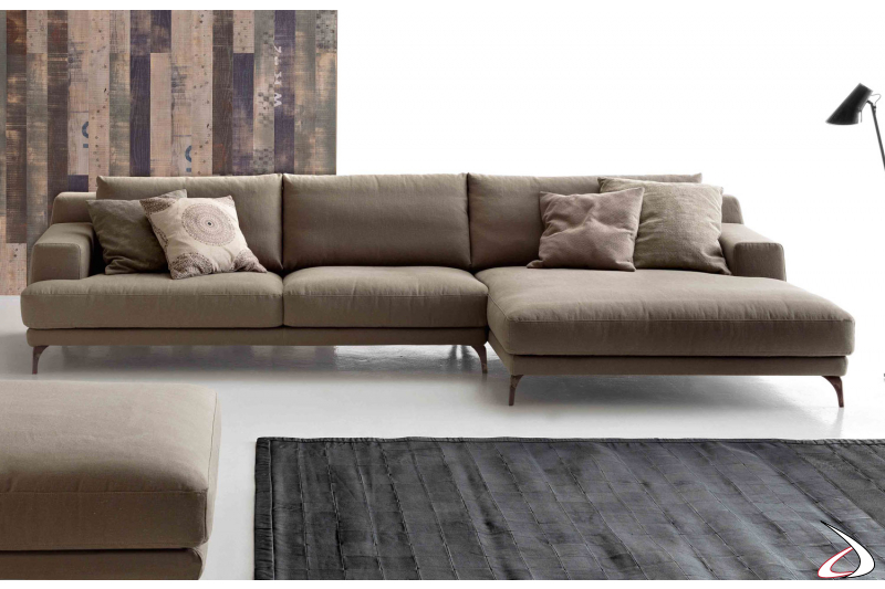 Divano design con chiase lounge da salotto