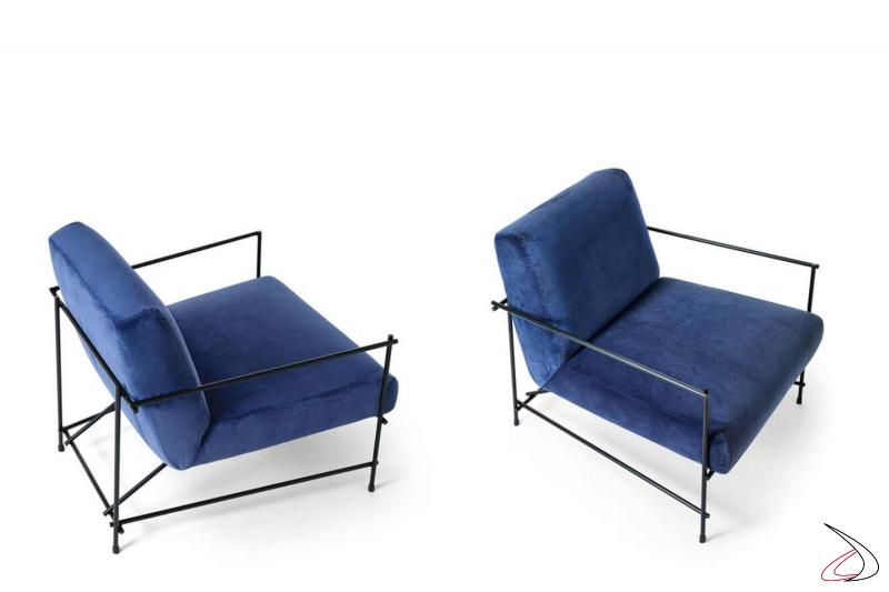 Poltrone design da salotto con struttura in tondino di metallo e seduta imbottita