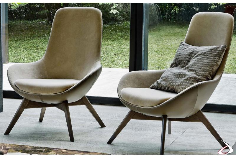 Poltrone da salotto moderne imbottite in pelle e in tessuto con piedini in legno