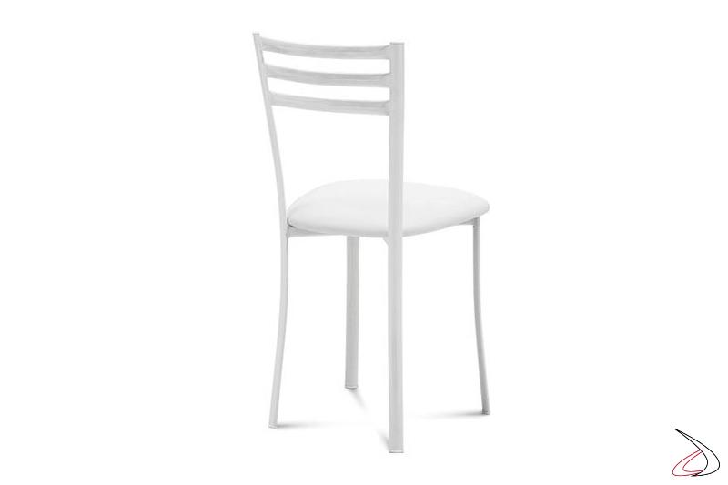 Sedia bianca da cucina con seduta imbottita