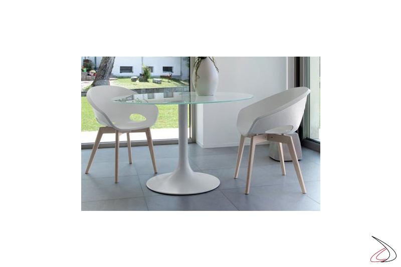 Poltroncina di design per tavolo soggiorno