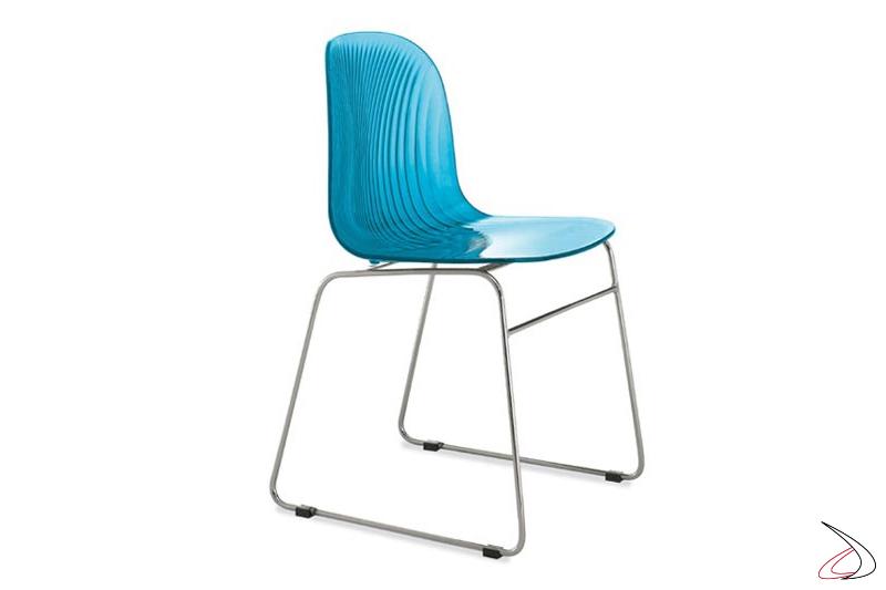 Sedia azzurra moderna da soggiorno