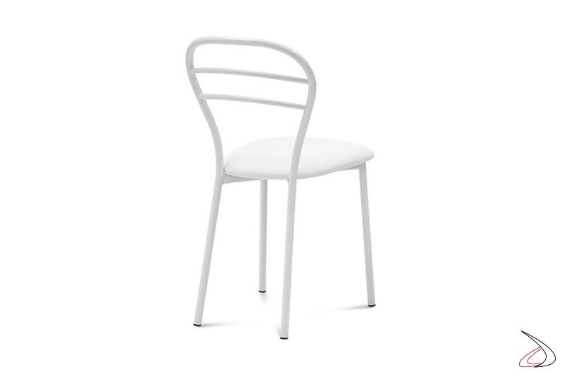 Sedia bianca da cucina moderna