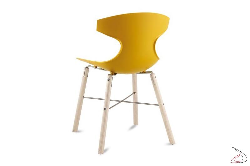 Sedia colorata di design per tavolo soggiorno