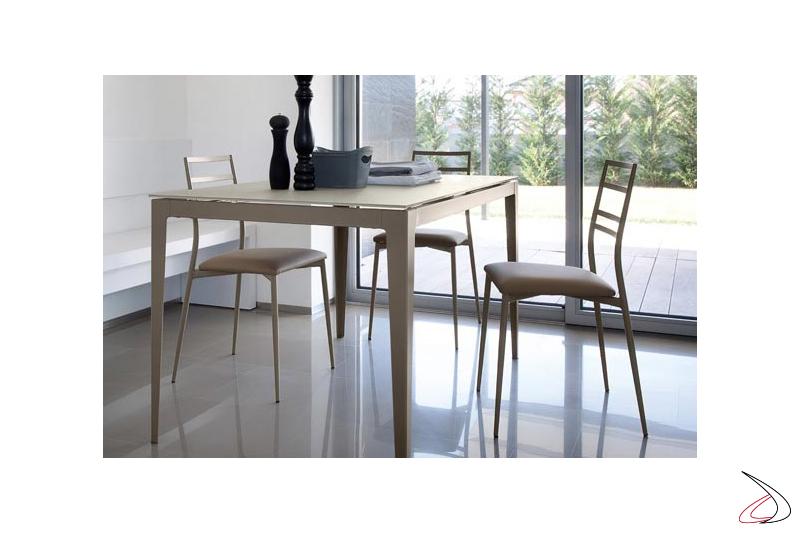 Sedia moderna per tavolo da cucina