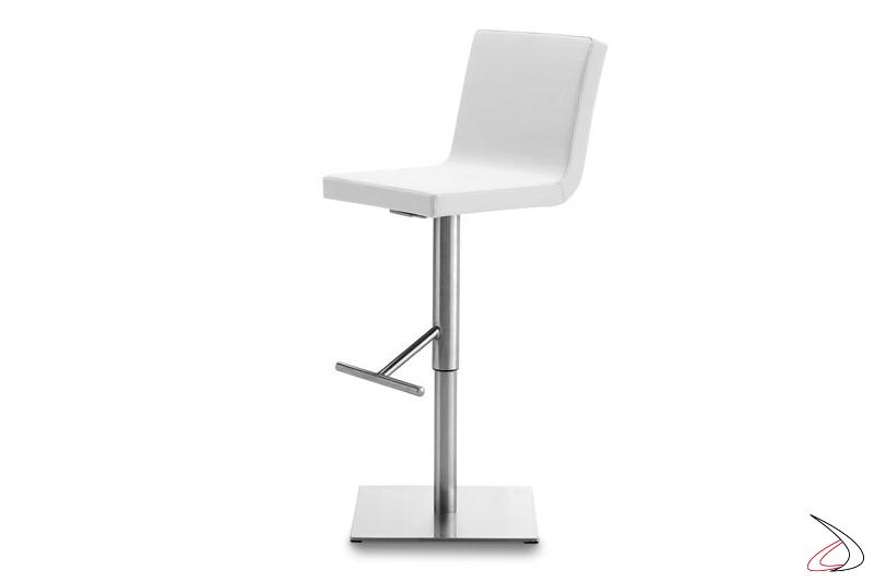 Sgabello moderno con sedile imbottito rivestito in ecopelle