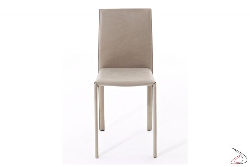 Sedia con schienale alto da soggiorno rivestita in pelle vintage