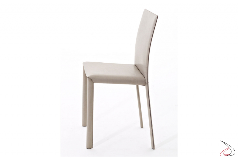 Sedia in pelle vintage elegante di design per tavolo soggiorno