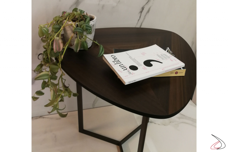 Tavolino Helice un equilibrio di forme e colori.