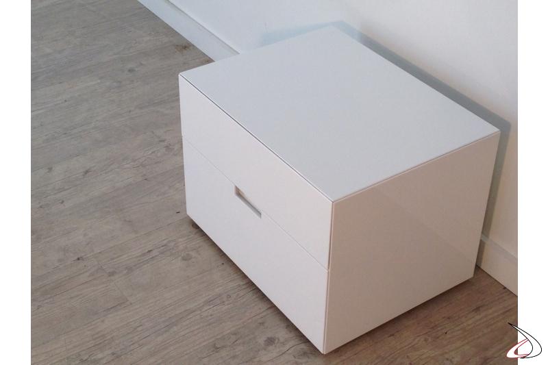 Comodino Filo a due cassetti in finitura bianco lucido