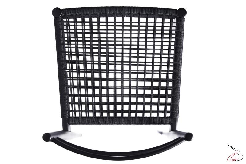 Particolare della corda marina nera della sedia Giò.