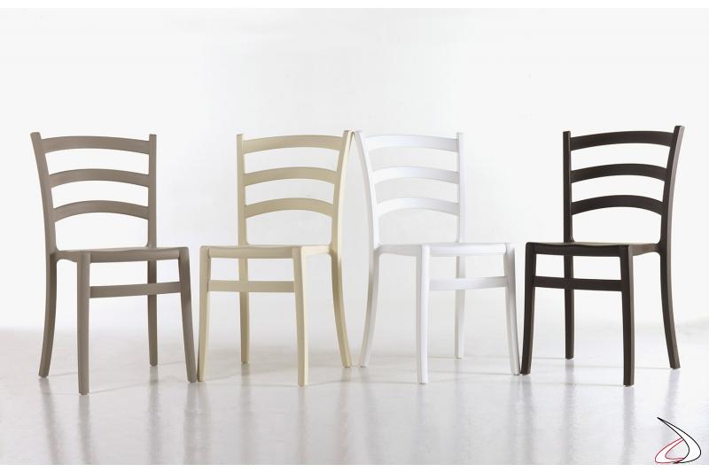 Sedie moderne colorate impilabili da ristorazione e adatte per l'esterno