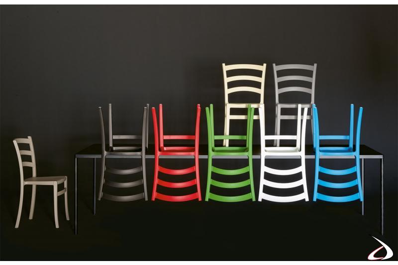 Sedie design impilabili in polipropilene di W. Colico & Bestetti Associati