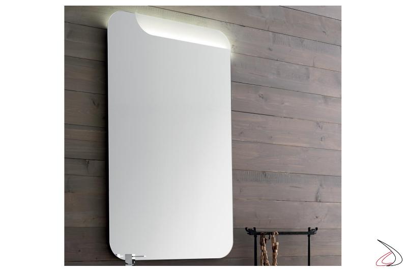 Specchiera moderna da bagno con illuminazione led