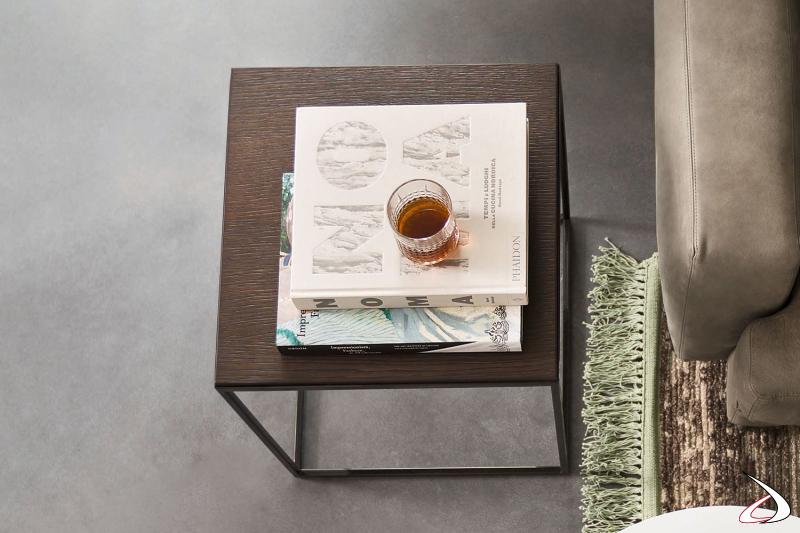 Tavolino quadrato Kobe con piano in legno