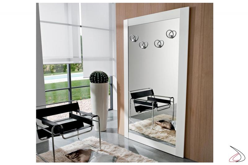 Specchio grande da ingresso con appendini in alluminio